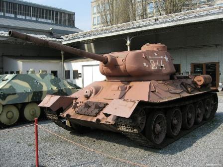 СССР, 1943 год обои Т-34-85.