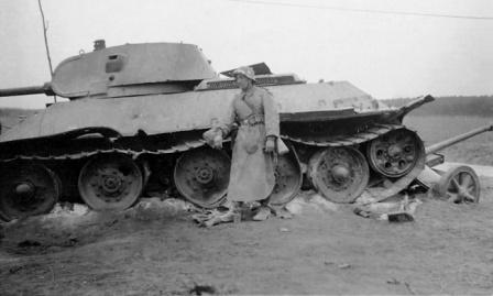 Танк Т-34, раздавивший пушку PaK-38