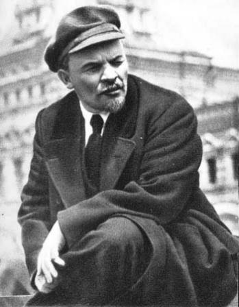 В.И.Ленин  на параде войск Всевобуча.   Москва, 25 мая 1919 г.