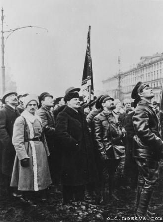 Ленин среди военнослужащих и чекистов.