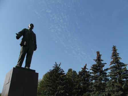 Памятник Ленину фото на рабочий стол.