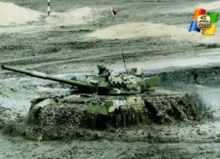 Так Т-80У в грязи. Танки грязи не боятся.