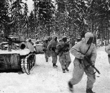 Зимой во время войны.