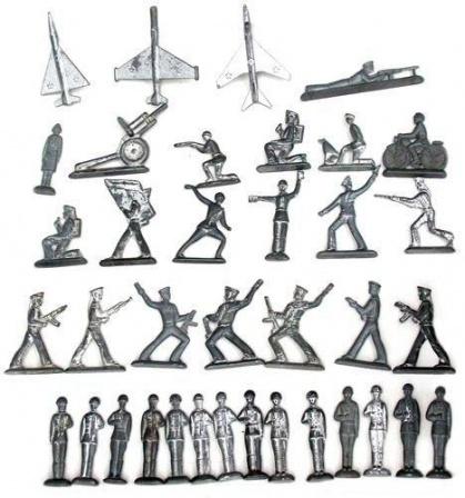 набор металлических солдатиков из СССР.