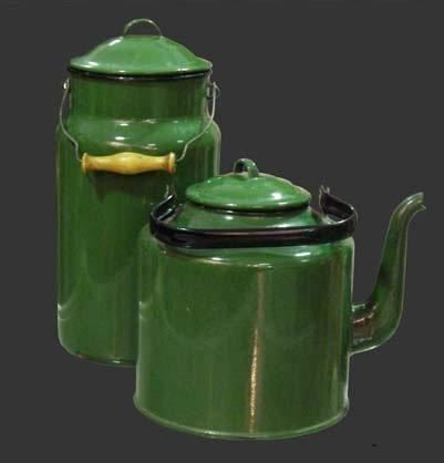 Чайник и бидон, фото из Советского Союза.