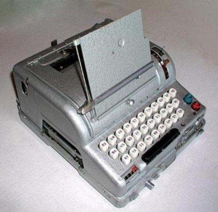 Советская печатная машинка.