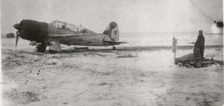 Самолет Су-2 третьей эскадрильи 210 ББАП зимой