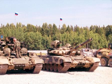 Российские танки на военной базе.