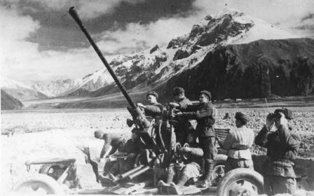 Расчет 37-мм зенитного орудия, Северный Кавказ