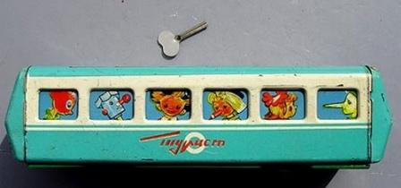 Заводной вагончик Турист. Игрушки из прошлого.