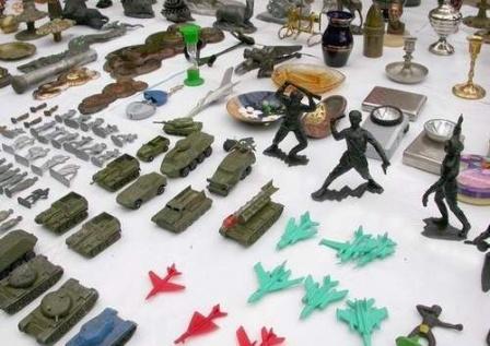 Игрушки - солдатики из СССР.