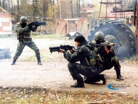 Гранатомет ГМ-94, солдаты с гранатометом GM-94.