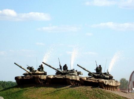 Три танка на холме.