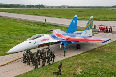 Су-35 пилотажной группы «Русские витязи»