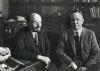 В.И.Ленин  в своем кабинете в Кремле  беседует с американским экономистом  Христенсеном.
