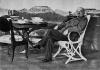 Ленин у рабочего стола в кабинете в Горках. Август-сентябрь 1922 г.