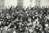 В.И.Ленин  в группе делегатов II Всероссийского  съезда горнорабочих в Кремле.  Москва, 23-24 января
